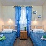 Недорогой двухместный номер с раздельными кроватями в центре Москвы. Хостел Артист.